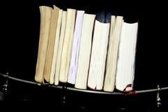 Livres mettant dans un cru photo libre de droits