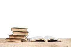 livres noirs de fond d'isolement au-dessus de la table photographie stock