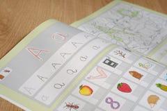 Livret pour apprendre l'écriture Images libres de droits