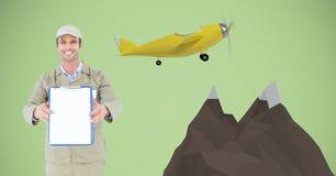Livreur heureux montrant le presse-papiers en les montagnes 3d et l'avion Photos stock