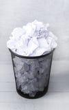 Livro Branco no balde do lixo Fotos de Stock