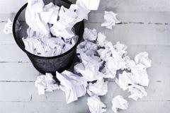 Livro Branco no balde do lixo Foto de Stock Royalty Free