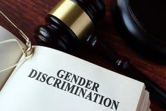 Livro com discriminação de gênero do capítulo imagens de stock