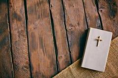 Livro cristão fotografia de stock royalty free