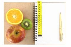 Livro da dieta imagens de stock royalty free