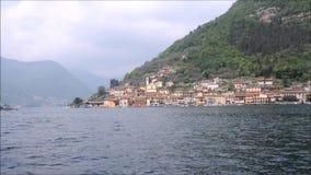 Livro da poesia na cidade de Lovere no lago Iseo vídeos de arquivo