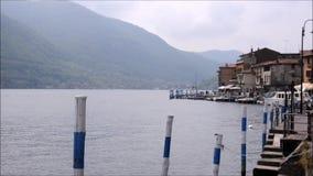 livro da poesia na cidade de Lovere no lago Iseo, Italia filme
