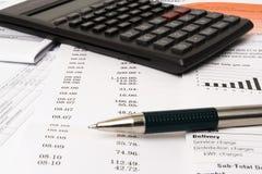 Livro de cheques de equilíbrio Fotos de Stock Royalty Free