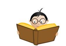 Livro de leitura da estudante. Fotos de Stock Royalty Free