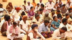 Livro de leitura pobre dos povos na vila video estoque
