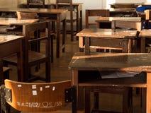 Livro de madeira da mesa para dentro Fotografia de Stock Royalty Free