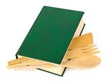 Livro de receitas e kitchenware imagens de stock