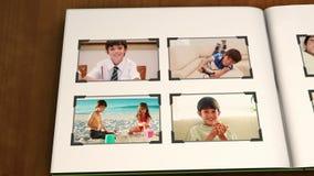 Livro dos vídeos de um dia a dia do menino ilustração royalty free