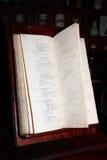 Livro velho do remédio do Apothecary imagem de stock