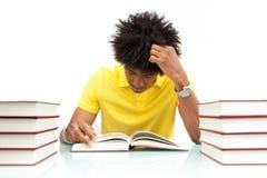 Livros de leitura afro-americanos novos do estudante - povos africanos Foto de Stock