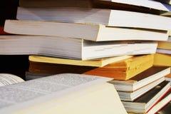 Livros de leitura, fundo Imagens de Stock Royalty Free