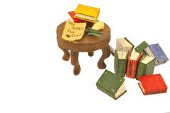Livros diminutos com cor-de-rosa e mensagem Imagem de Stock Royalty Free