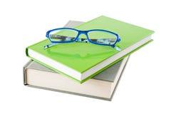 Livros e vidros imagens de stock royalty free