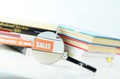 Livros em um fundo branco Fotografia de Stock Royalty Free