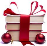 Livros envolvidos presente para o Natal Foto de Stock Royalty Free
