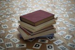 Livros fechados velhos Fotografia de Stock