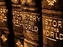 Livros velhos na história do mundo Fotos de Stock Royalty Free
