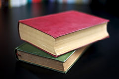 Livros vermelhos e verdes Imagens de Stock