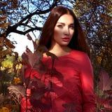 livsstil härlig skogkvinna royaltyfri fotografi