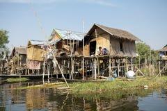 Livsstil på sjön Inle Myanmar royaltyfri bild