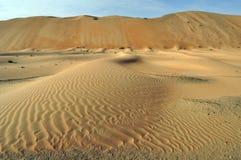 Liwa sanddyn & krusningar Royaltyfri Bild