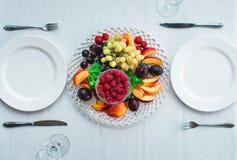 Śliwki brzoskwini truskawki malinowi winogrona Fotografia Stock