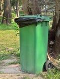 Lixo, escaninho de lixo Fotos de Stock Royalty Free