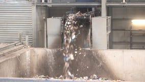 lixo waste do lixo da Desperdício-à-energia video estoque
