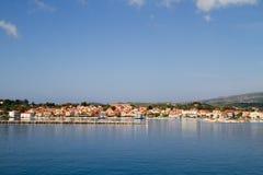 Lixouri,从海的看法 免版税库存照片