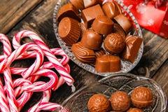 Lizaki i czekoladowi cukierki zdjęcie stock
