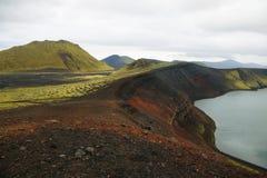 Ljotipollur火山的火山口湖 免版税库存照片