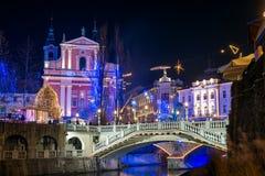 Ljubljana adornada por días de fiesta de los Años Nuevos, panorama Foto de archivo