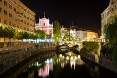 Ljubljana bij nacht royalty-vrije stock afbeelding