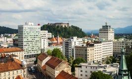 Ljubljana con el castillo, Eslovenia Fotos de archivo