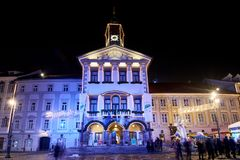 LJUBLJANA, ESLOVENIA - 21 DE DICIEMBRE DE 2017: Noche de Advent December Fotos de archivo libres de regalías