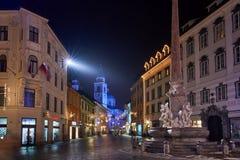 LJUBLJANA, ESLOVENIA - 21 DE DICIEMBRE DE 2017: Noche de Advent December Imagen de archivo