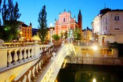 Ljubljana på natten, Slovenien Royaltyfria Bilder