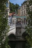 Ljubljana, Slovénie, l'Europe, ville de dragon, Tromostovje, le pont triple, horizon, rue, architecture, Art Nouveau Photos stock