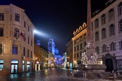 LJUBLJANA, SLOVENIË - DECEMBER 21, 2017: Advent December-nacht Stock Afbeelding
