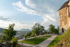 24 5 Ljubljana 2019 Slovenien: Ljubljana slott på den soliga vårdagen, Slovenien royaltyfria foton