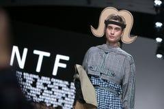 Ljubljana, Slowenien/Slowenien - 1. APRIL 2019: Mode-Woche LJFW stockfotografie