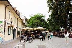 Ljubljana, Slowenien - 15. August 2017 Gehen die alte Stadt Lizenzfreies Stockfoto