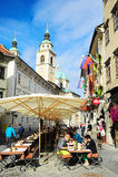 Ljubljana-Straßencafé Stockbilder