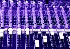 ljud för musik för konsolblandare blandande Arkivbilder