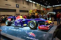 Ljudet av bilen för formel F1 på skärm på Chicago den auto showen Royaltyfri Foto